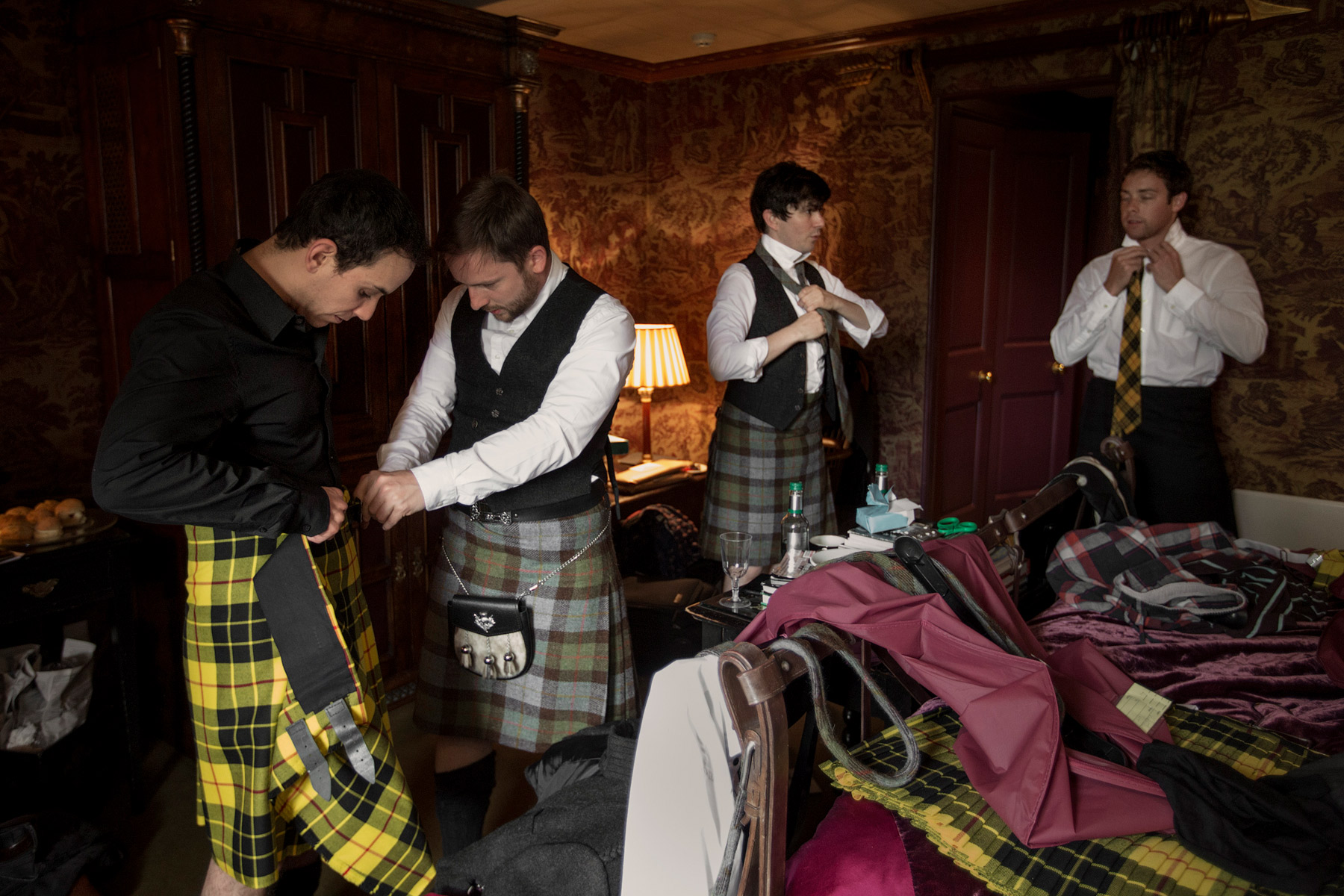 grooms getting ready at prestonfiled house in edinburgh
