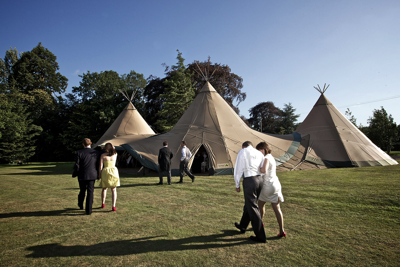 teepee-wedding-scotland
