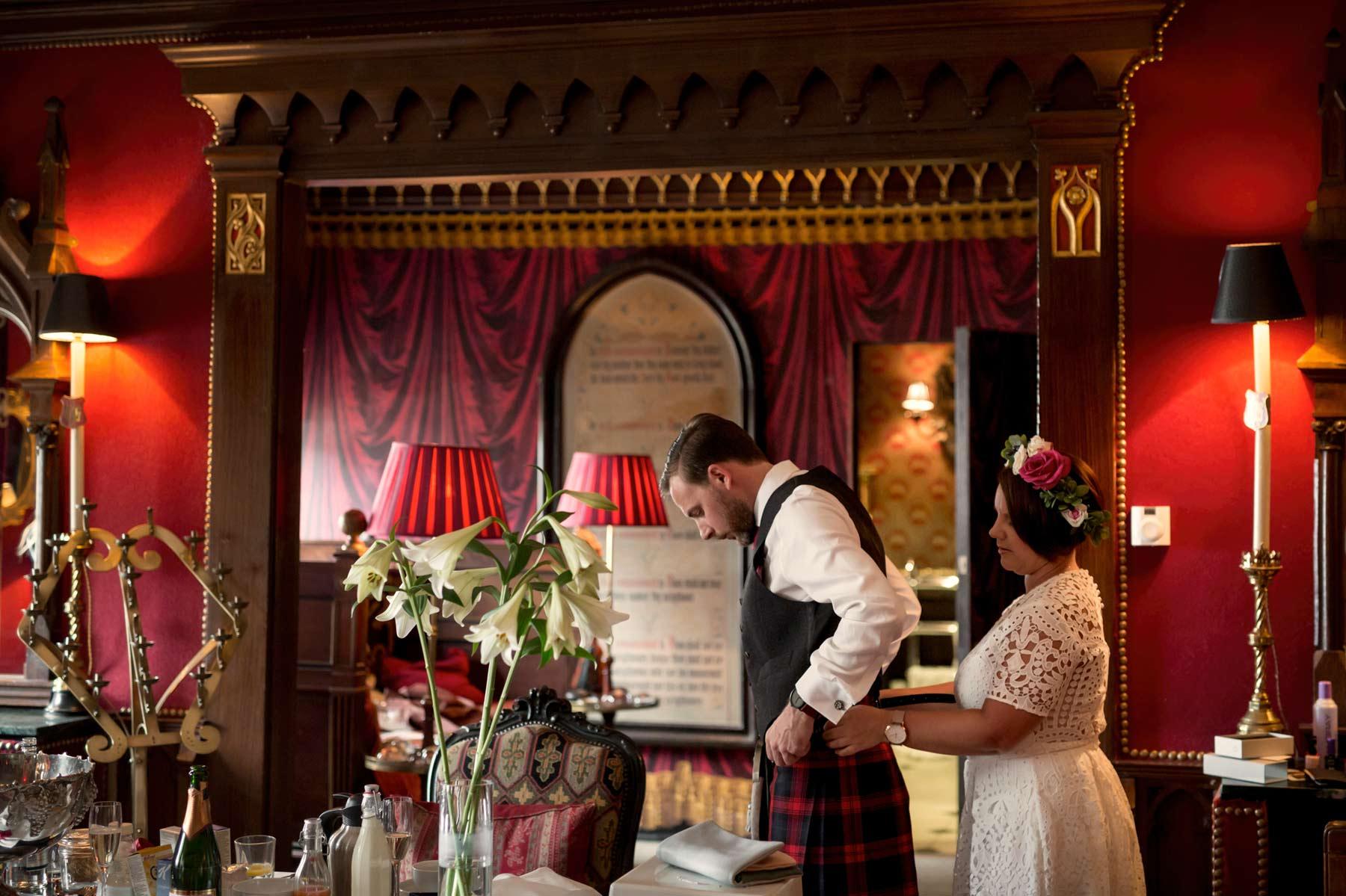 Bride, groom, getting ready, The Witchery, kilt, wedding, Edinburgh