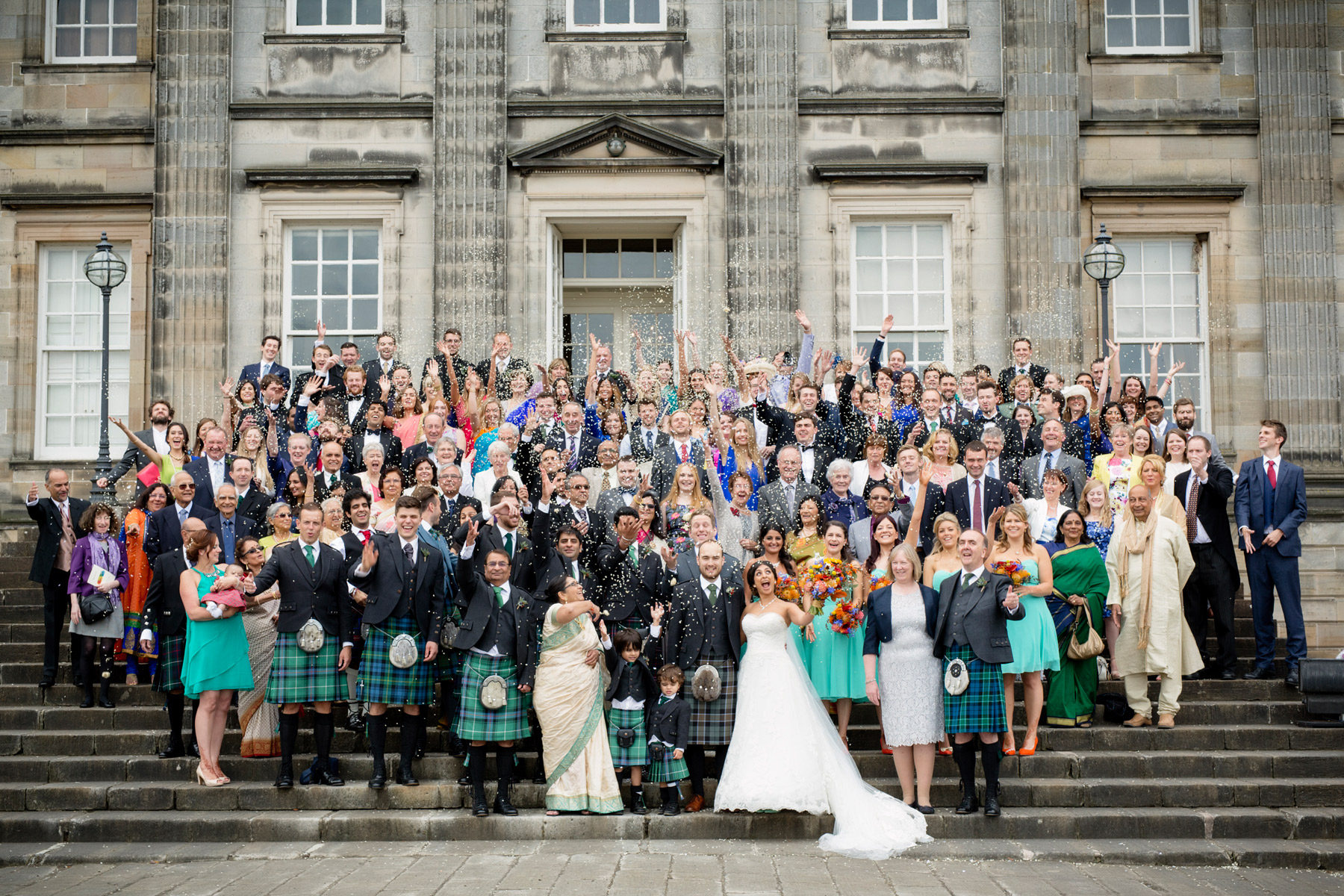 wedding confetti at hopetoun house scotland