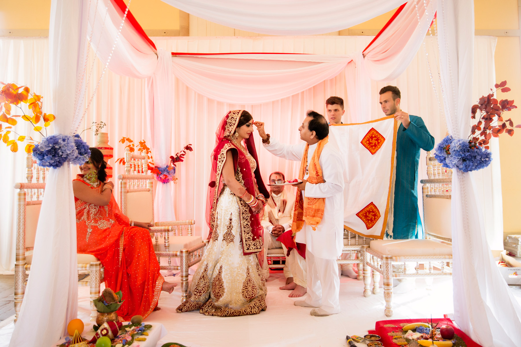 hindi wedding ceremony at hopetoun house scotlnad