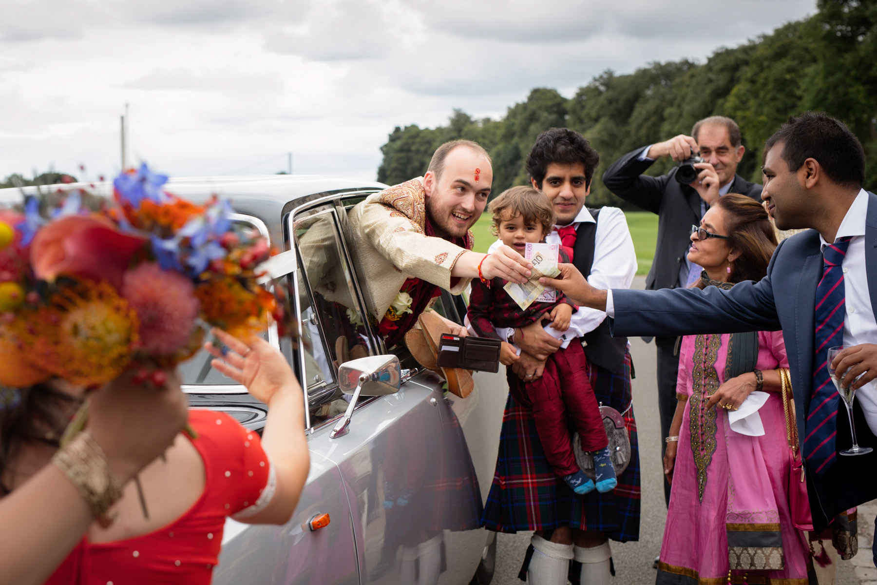 money being offered at hindi wedding in Scotland
