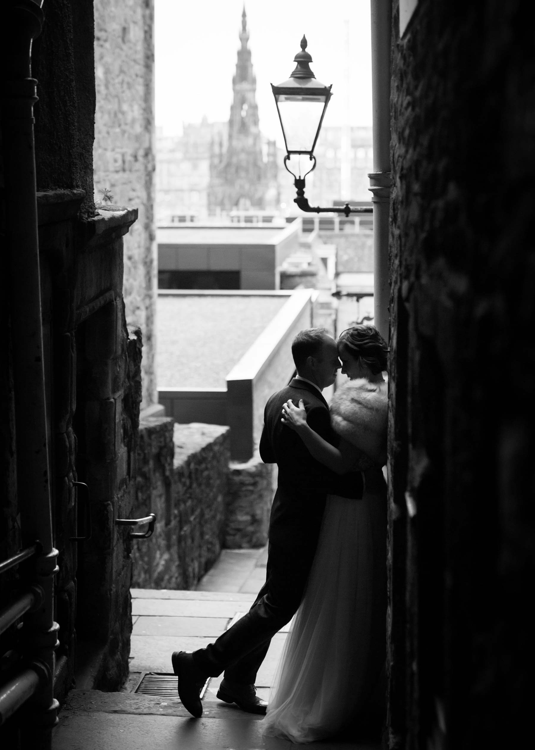 Edinburgh Christmas elopement wedding photography